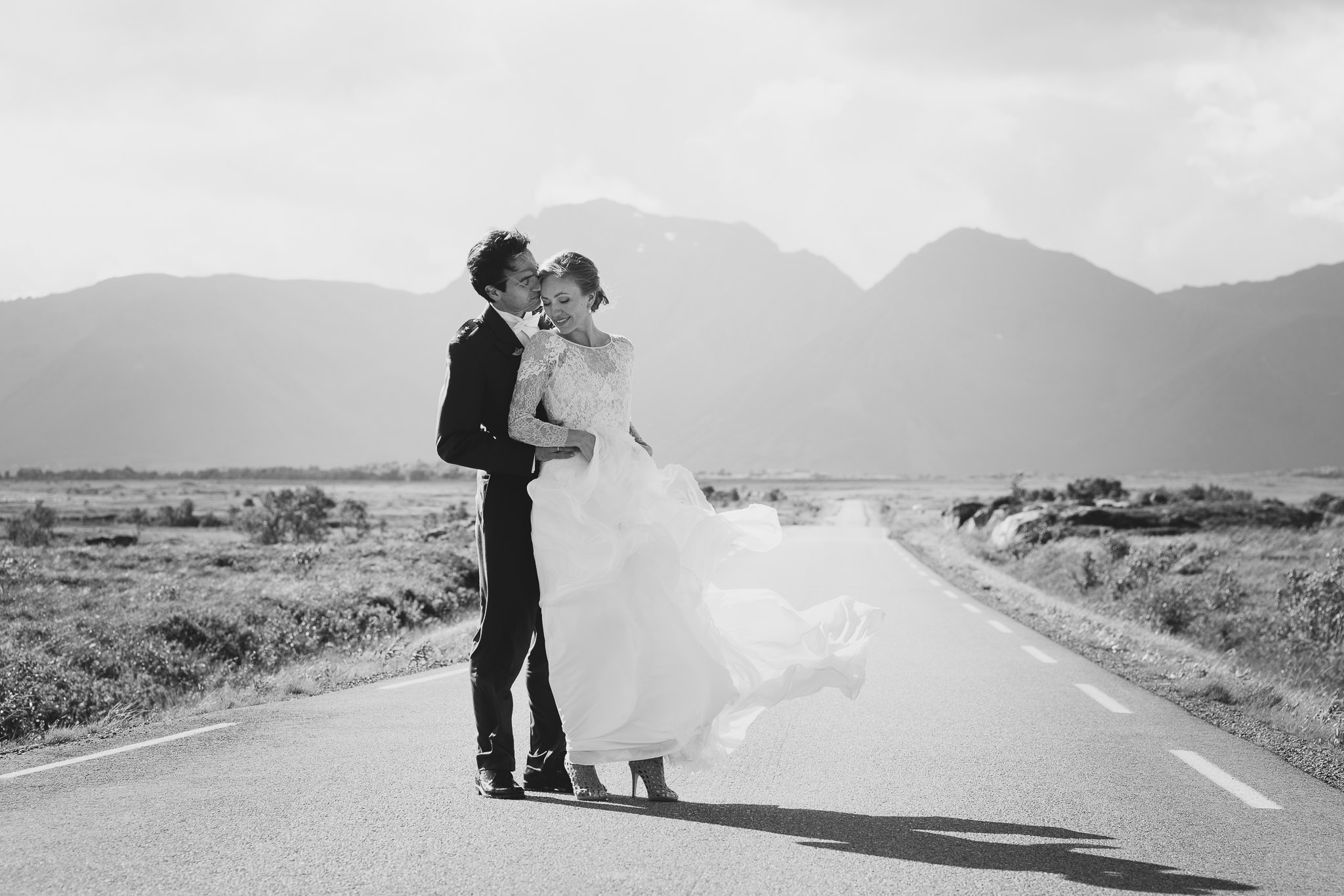 Bryllupsfotografering-lofoten-heldags-fjell-35